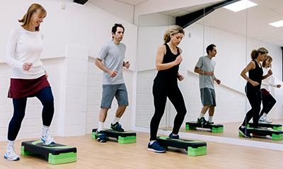 people in group exercise class